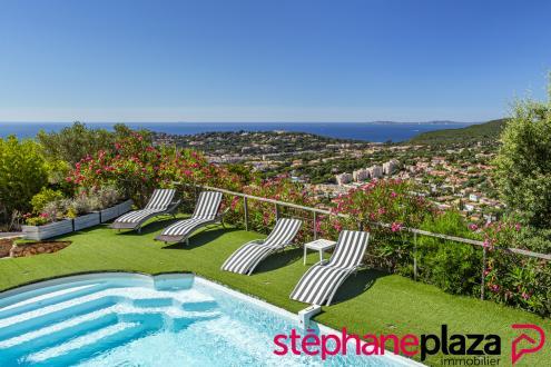 Maison de luxe à vendre CAVALAIRE SUR MER, 220 m², 5 Chambres, 1090000€
