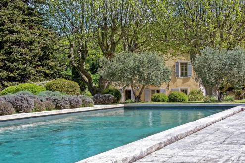 Casa di lusso in vendita BONNIEUX, 360 m², 5 Camere, 2200000€