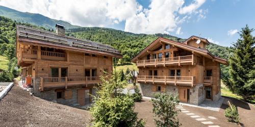 Luxus-Chalet zu verkaufen LES ALLUES, 260 m², 6 Schlafzimmer, 3995000€