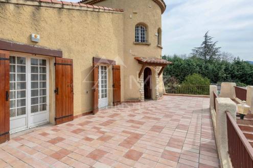 Дом класса люкс на продажу  Экс-Ан-Прованс, 366 м², 5 Спальни, 890000€