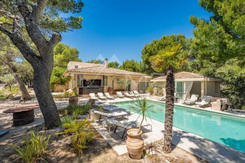 Luxus-Haus zu verkaufen VAUGINES, 380 m², 6 Schlafzimmer, 2300000€