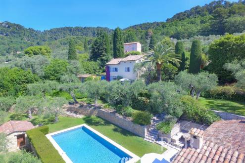 Luxury House for sale GRASSE, 304 m², 6 Bedrooms, € 1 390 000