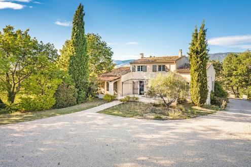 Дом класса люкс на продажу  Кюкюрон, 235 м², 5 Спальни, 865000€