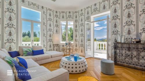 Maison de luxe à louer CAP D'ANTIBES, 350 m², 6 Chambres,