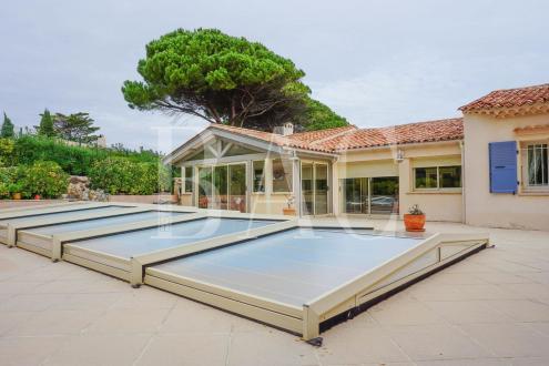 Вилла класса люкс на продажу  Сент-Максим, 133 м²