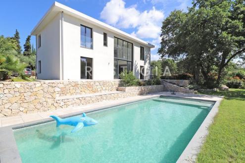 Villa de luxe à vendre ROQUEFORT LES PINS, 178 m², 4 Chambres, 1280000€