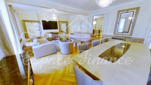 Квартира класса люкс на продажу  Париж 16ый, 467 м², 9 Спальни, 10375000€