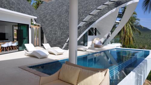 Дом класса люкс на продажу  Тайланд, 372 м², 4 Спальни, 722305€