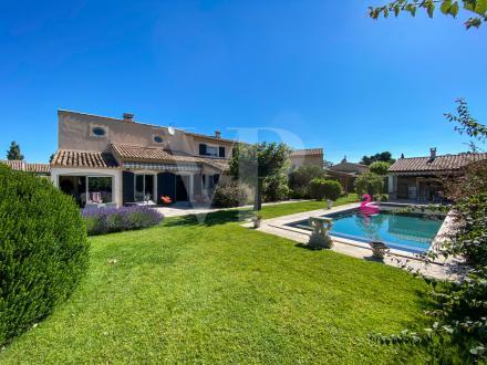 Maison de luxe à vendre SAINT REMY DE PROVENCE, 330 m², 6 Chambres, 1696000€