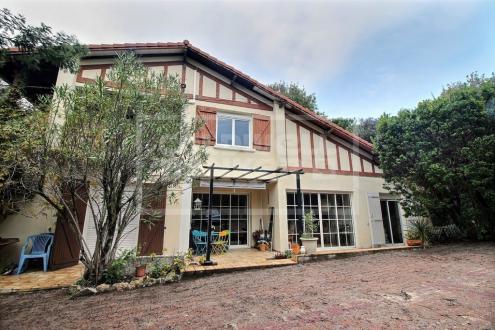 Luxus-Haus zu verkaufen ARCACHON, 230 m², 6 Schlafzimmer, 1995000€