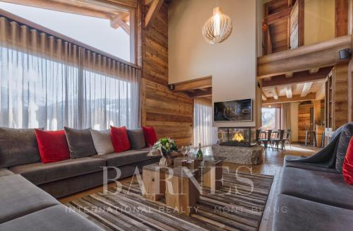 Luxury Chalet for rent MEGEVE, 319 m², 5 Bedrooms,