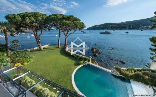 Luxury House for rent VILLEFRANCHE SUR MER, 400 m², 5 Bedrooms,