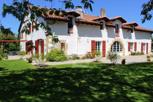 Luxus-Haus zu verkaufen SARE, 750 m², 6 Schlafzimmer, 2330000€