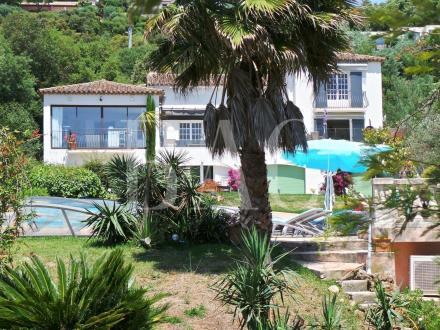 Вилла класса люкс на продажу  Гримо, 490 м², 4 Спальни, 2950000€