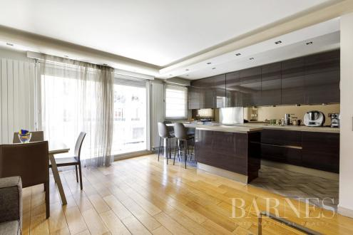 Appartement de luxe à vendre NEUILLY SUR SEINE, 101 m², 3 Chambres, 1180000€