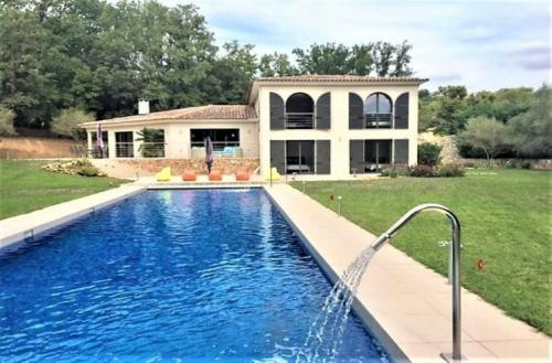 Maison de luxe à vendre MOUANS SARTOUX, 350 m², 5 Chambres, 1950000€