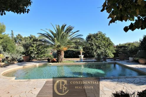 Luxus-Haus zu verkaufen LA CIOTAT, 280 m², 5 Schlafzimmer, 1360000€