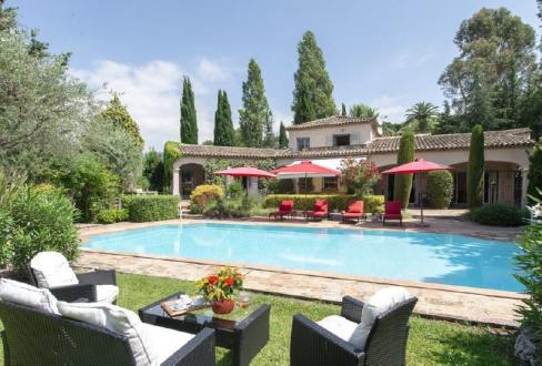 Дом класса люкс на продажу  Ла-Коль-Сюр-Лу, 225 м², 5 Спальни, 1490000€