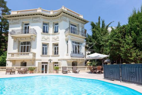 Luxury House for rent VILLEFRANCHE SUR MER, 290 m², 5 Bedrooms,