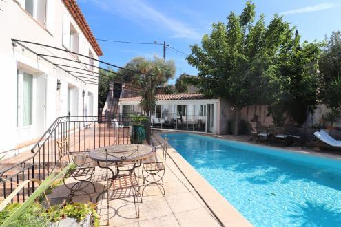 Luxury House for sale SAINT CYR SUR MER, 160 m², 4 Bedrooms, €736000