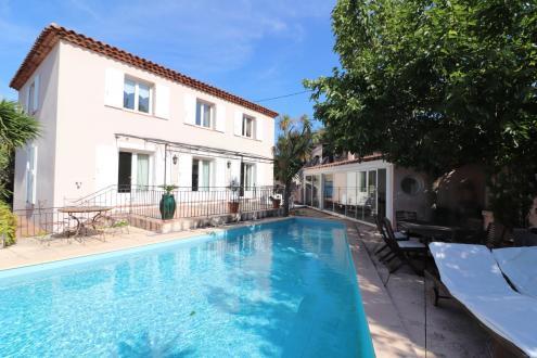 Maison de luxe à vendre SAINT CYR SUR MER, 160 m², 4 Chambres, 736000€