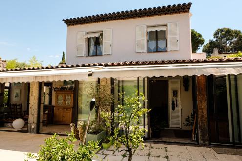 Вилла класса люкс на продажу  Вильнёв-Лубе, 178 м², 3 Спальни, 1190000€
