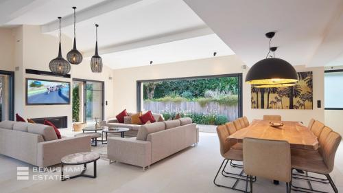 Villa de luxe à vendre SAINT TROPEZ, 220 m², 6 Chambres, 4500000€