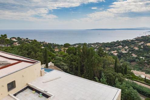 Luxus-Villa zu verkaufen LES ISSAMBRES, 308 m², 4 Schlafzimmer, 3950000€