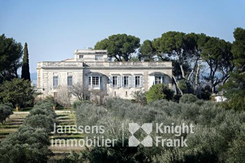 Luxus-Haus zu verkaufen TARASCON, 527 m², 11 Schlafzimmer, 2950000€