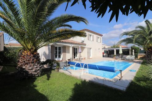 Luxury House for sale SAINT CYR SUR MER, 131 m², 5 Bedrooms, €668000