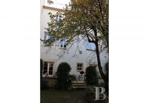 Luxury Town house for sale L'ISLE SUR LA SORGUE, 700 m², 7 Bedrooms, €2250000