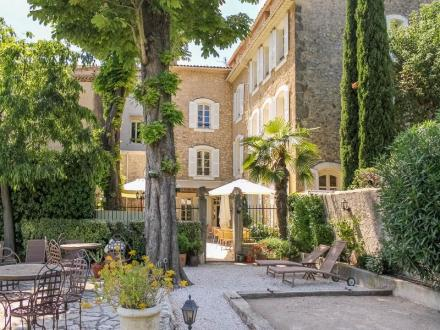 Luxus-Haus zu verkaufen LORGUES, 1000 m², 15 Schlafzimmer, 1995000€