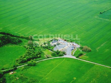 Maison de luxe à vendre SABLE SUR SARTHE, 830 m², 11 Chambres, 899000€