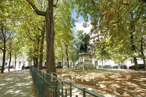 Luxury Apartment for sale PARIS 16E, 92 m², 2 Bedrooms, €1770000