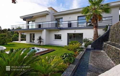 Luxus-Haus zu verkaufen CANNES, 300 m², 4 Schlafzimmer, 3350000€
