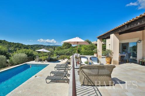 Villa di lusso in vendita MOUGINS, 220 m², 5 Camere, 1375000€