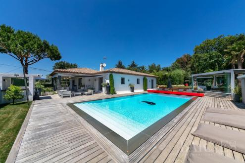 Villa de luxe à vendre SAINT TROPEZ, 300 m², 4 Chambres, 4800000€