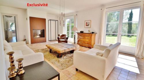Villa de luxe à vendre VALBONNE, 220 m², 5 Chambres, 985000€