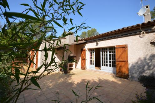 Вилла класса люкс на продажу  Сен-Рафаэль, 150 м², 4 Спальни, 699000€
