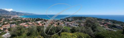 Villa de luxe à vendre ROQUEBRUNE CAP MARTIN, 600 m², 4 Chambres, 3500000€