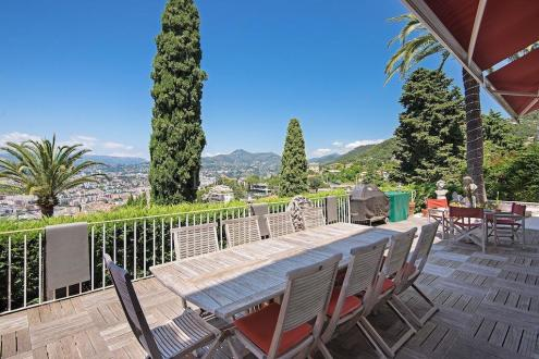 Villa de luxe à vendre VILLEFRANCHE SUR MER, 200 m², 5 Chambres, 1680000€