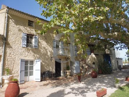 Maison de luxe à vendre PERNES LES FONTAINES, 271 m², 4 Chambres, 840000€