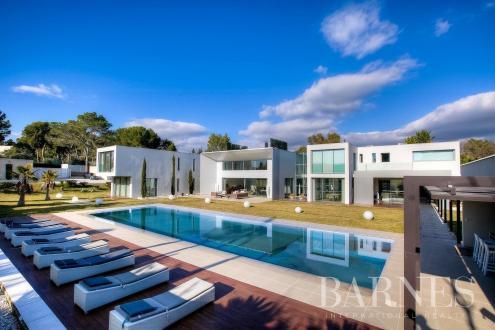 Casa di lusso in vendita MOUGINS, 659 m², 6 Camere, 9000000€