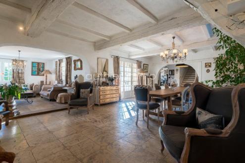 Luxus-Haus zu verkaufen GRASSE, 230 m², 6 Schlafzimmer, 745000€