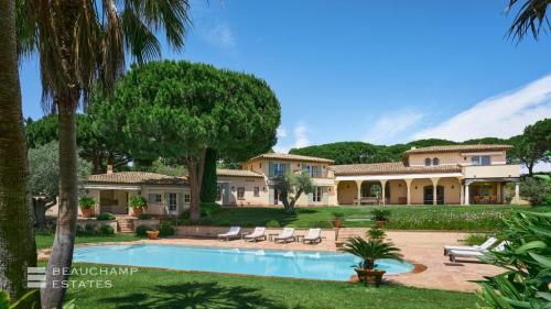 Luxe Domein  te koop SAINT TROPEZ, 396 m², 7 Slaapkamers, 12600000€