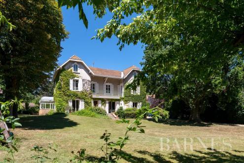 Maison de luxe à vendre SAINT CYR AU MONT D'OR, 350 m², 6 Chambres, 1970000€