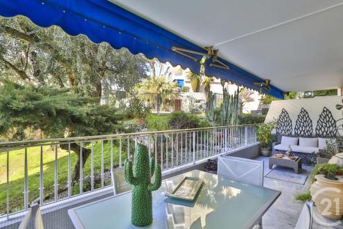 Luxus-Wohnung zu verkaufen VILLEFRANCHE SUR MER, 83 m², 2 Schlafzimmer, 630000€