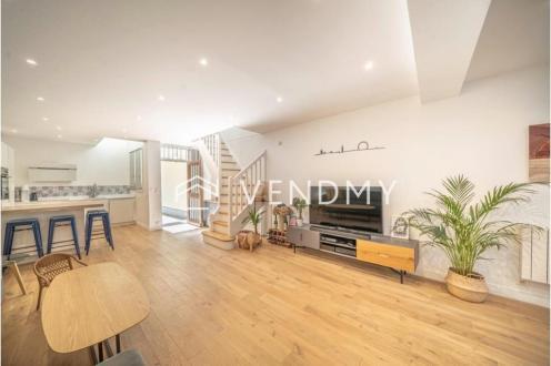 Квартира класса люкс на продажу  Париж 8ой, 103 м², 3 Спальни, 1210000€