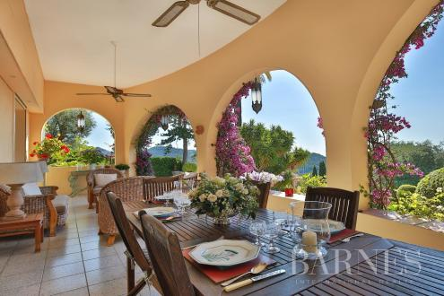 Luxury House for sale GRASSE, 272 m², 5 Bedrooms, € 1 990 000