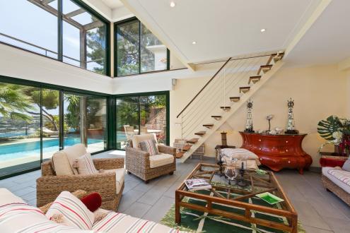 Дом класса люкс в аренду Ницца, 200 м², 4 Спальни,